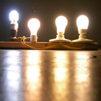 Comparison of incandescent to CFL bulbs